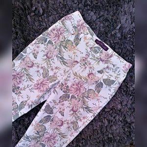 Gloria Vanderbilt floral jeans